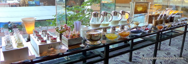 Grand Cafe, Buffet Breakfast, Grand Hyatt Hong Kong