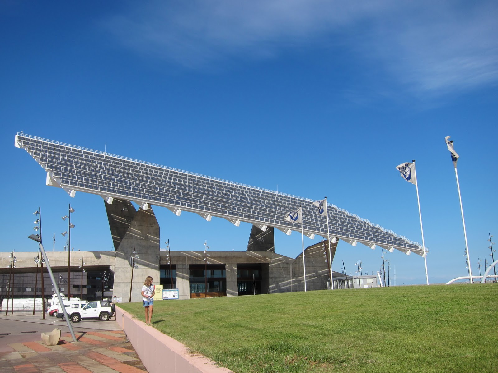 77 days in barcelona solar structures at forum park by - Solar barcelona ...