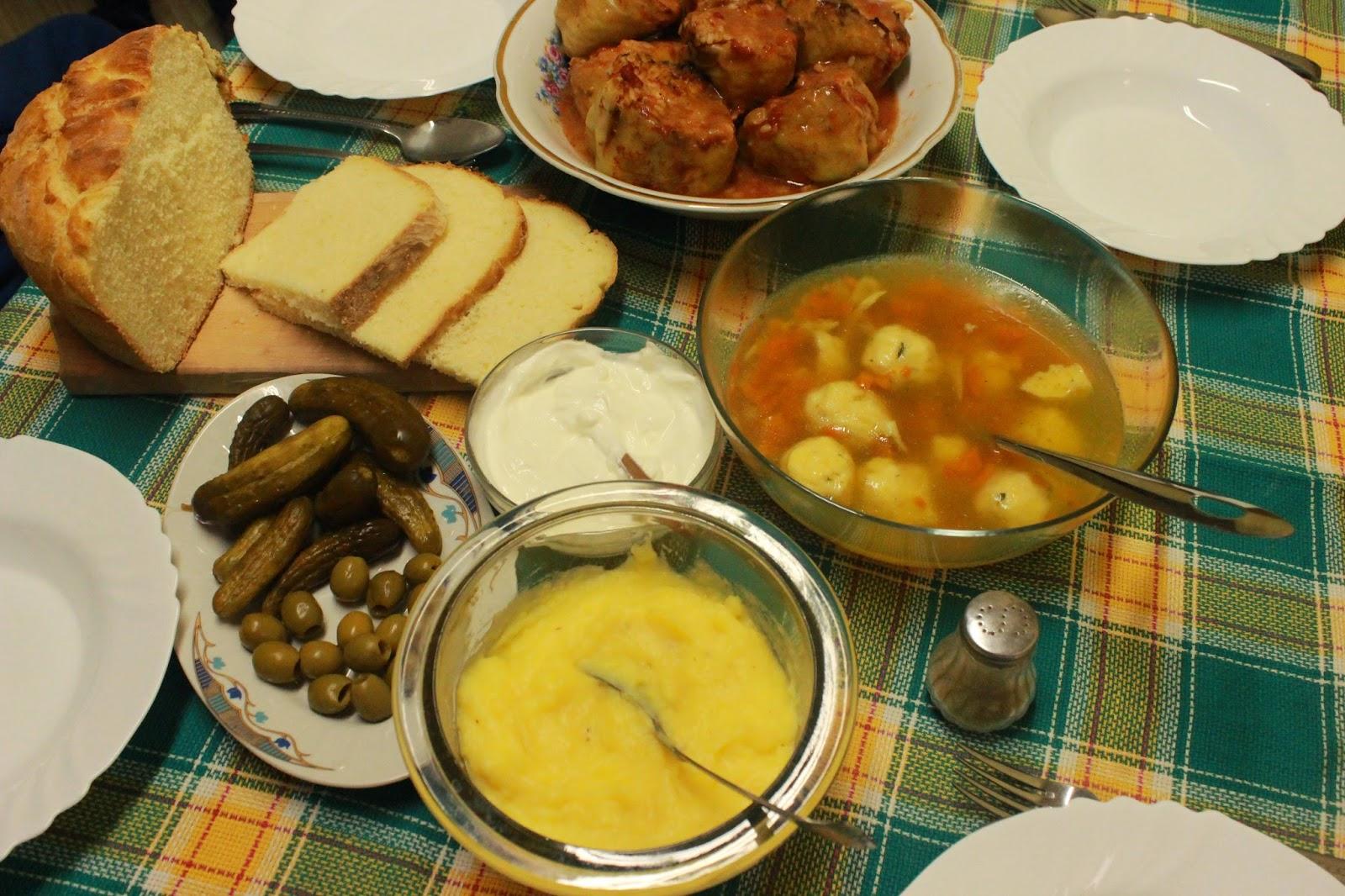 Ideja za rucak-supa sa knedlama, punjene paprike, domać hleb