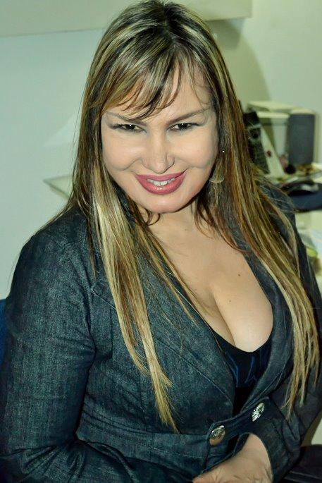 """TV a BORDO: Rosanah Fienngo: """"As pessoas começam a te excluir, porque ..."""