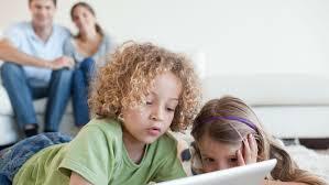¿Cómo controlar lo que mi hijo/a puede ver?