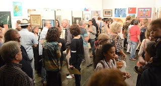 Público prestigia 23ª Salão da Primavera, que conta com cerca de 100 obras, entre pinturas, desenhos e esculturas
