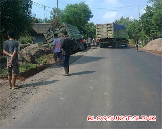 Kecelakaan Truck Pasir