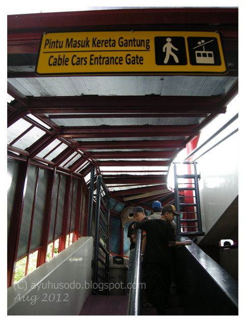 Behind The Front Door Day Tripper Cable Car Ride At Taman