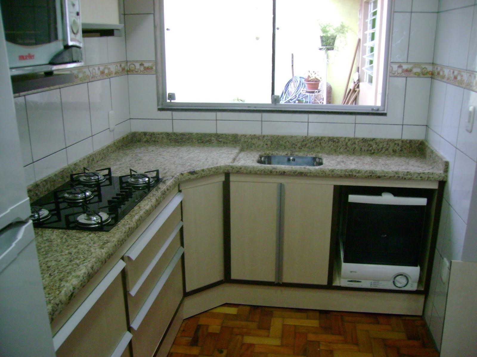 GRANITO ORNAMENTAL ESCURO ORNAMENTAL CLARO E BRANCO FORTALEZA #5B461E 1600x1200 Banheiro Com Granito Ornamental