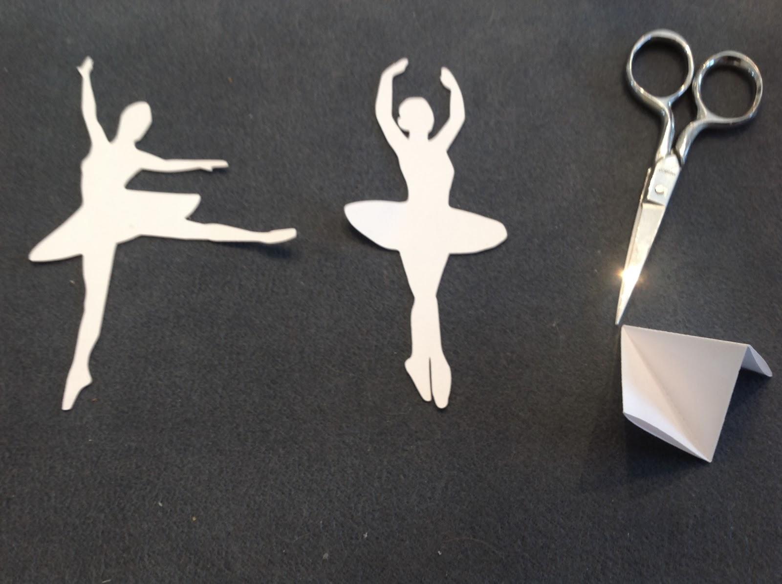 Оригами балерина из бумаги