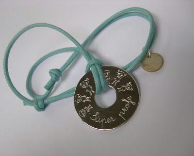 ¡GRACIAS SÚPER PROFES! Los mejores profesores se merecen los mejores regalos personalizados | www.mifabula.com
