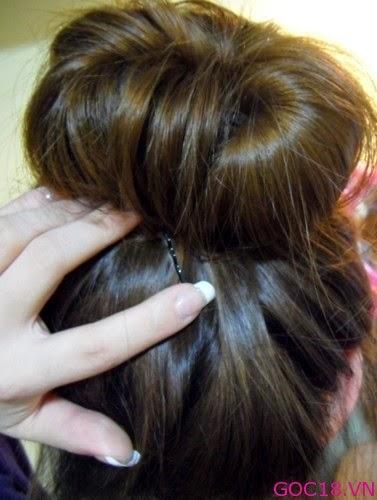 Cách búi tóc củ tỏi thật đơn giản cho chị em