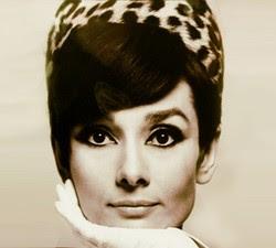 olhos delineados estilo anos 60