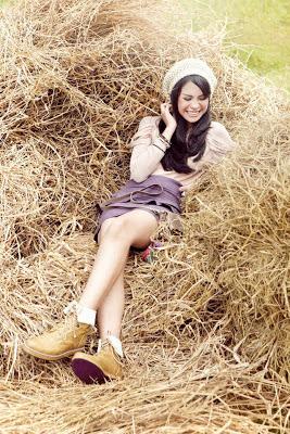 Foto dan Profil Maudy Ayunda