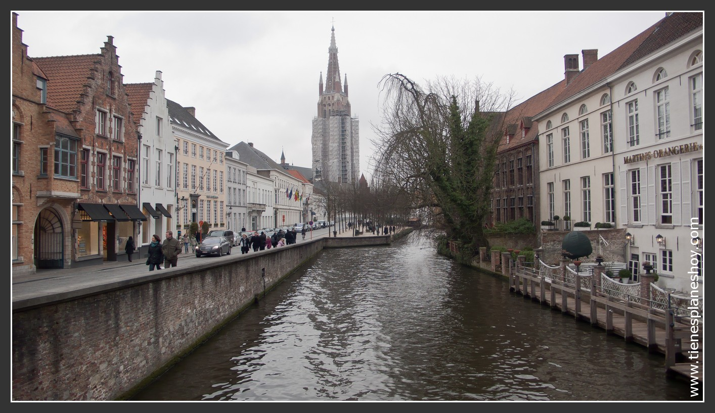 Brujas Bélgica vista Iglesia Nuestra Señora