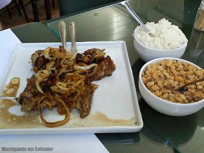 Restaurante Torremolinos: Filé Acebolado com Bacon