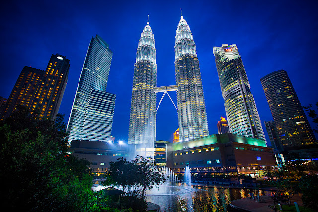 Picture of the Petronas Towers, Kuala Lumpur