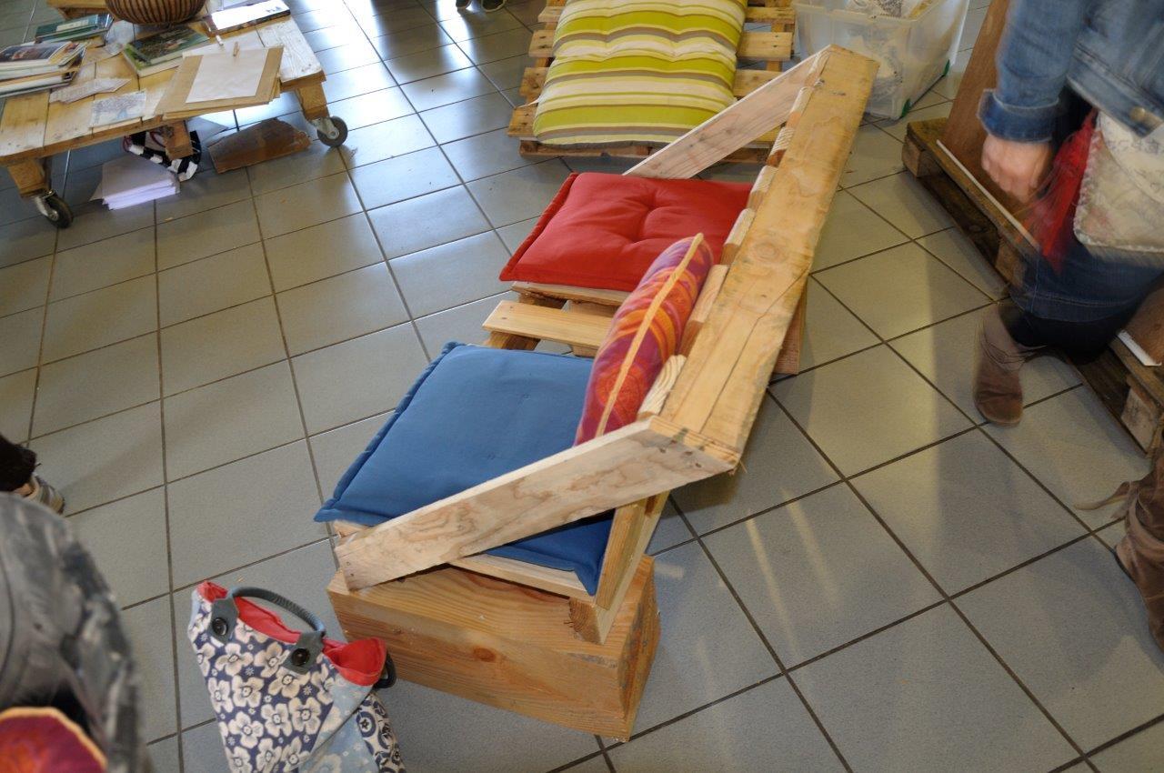 L 39 actu des possibles atelier fabrication de meubles en - Fabrication meuble en palette ...