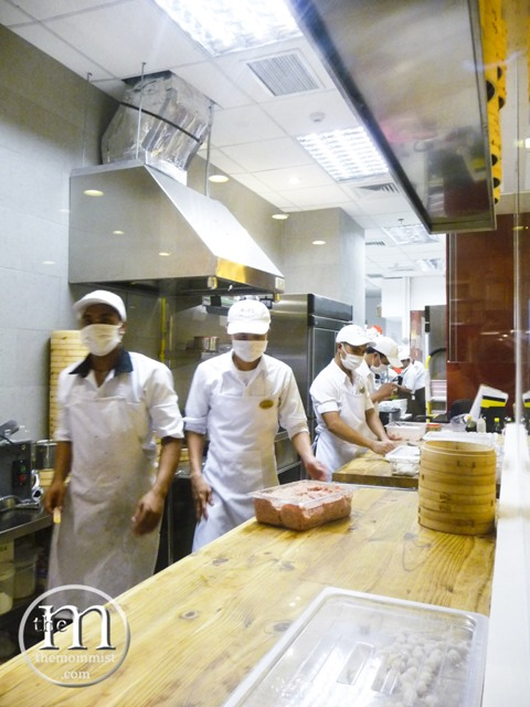 Glassed in work area for xiao long bao