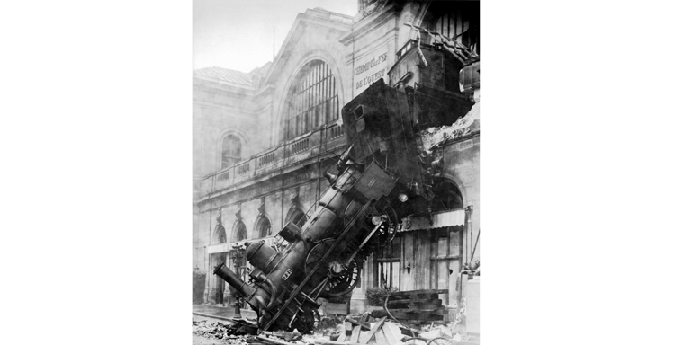 montparnasse train accident, inventions of hugo cabret, paris