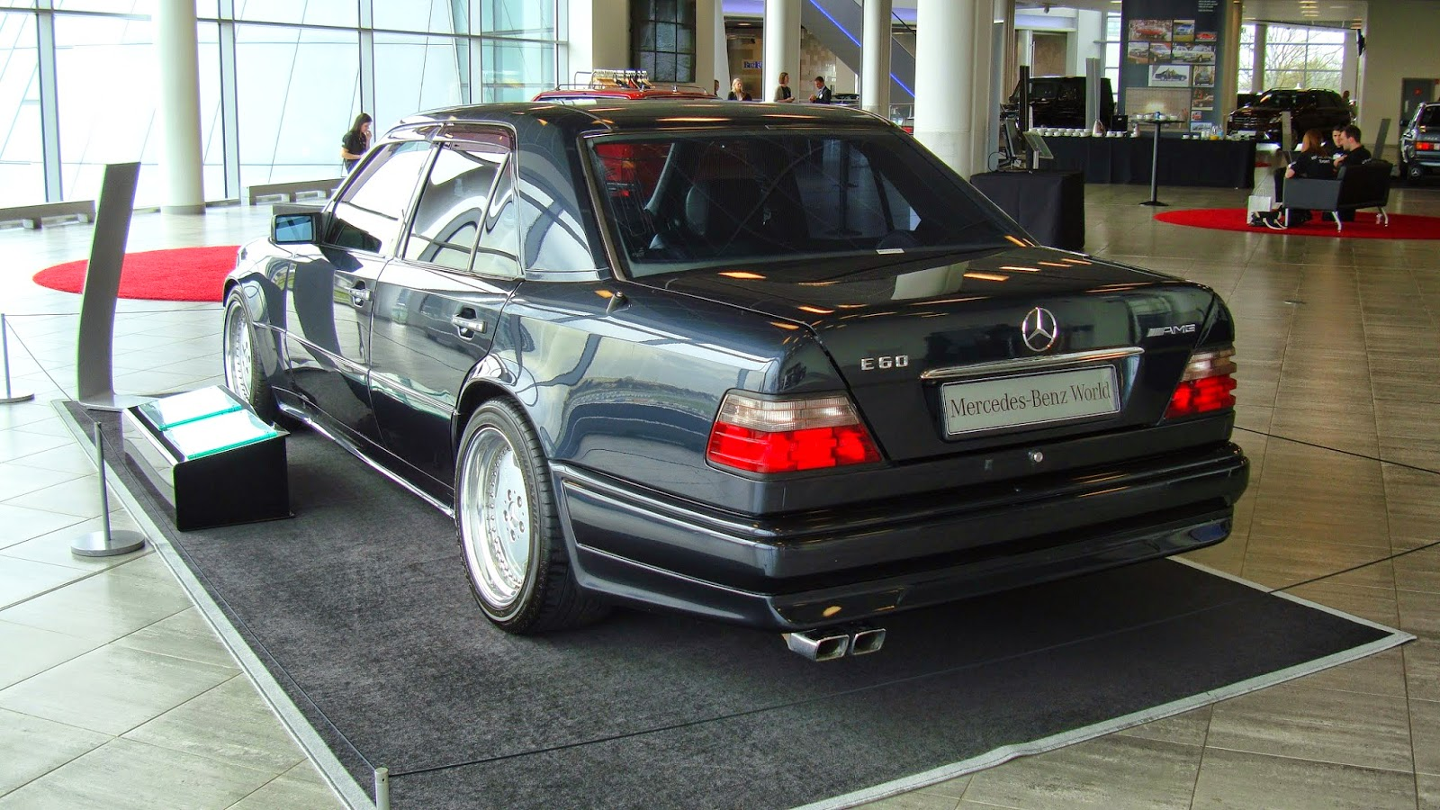 Mb w124 e60 amg limited edition benztuning for Mercedes benz e60 amg
