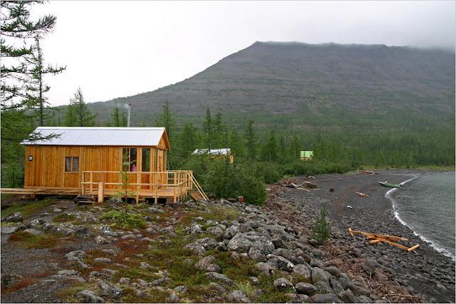 Озеро Лама. Турбаза ООО «ННР» «Лама», деревянный домик №22