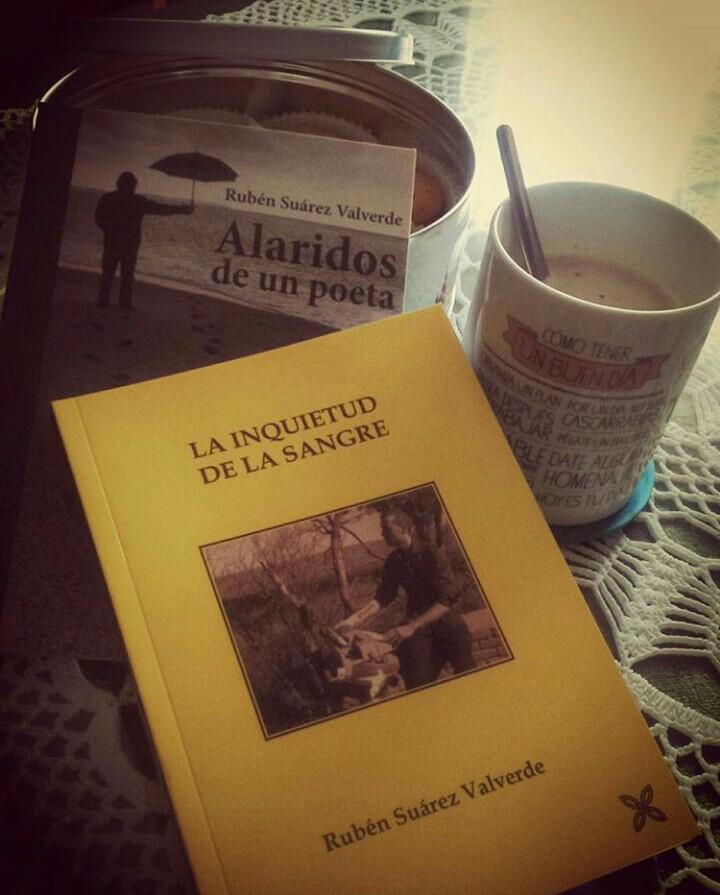Una tarde de domingo un buen café y un buen libro