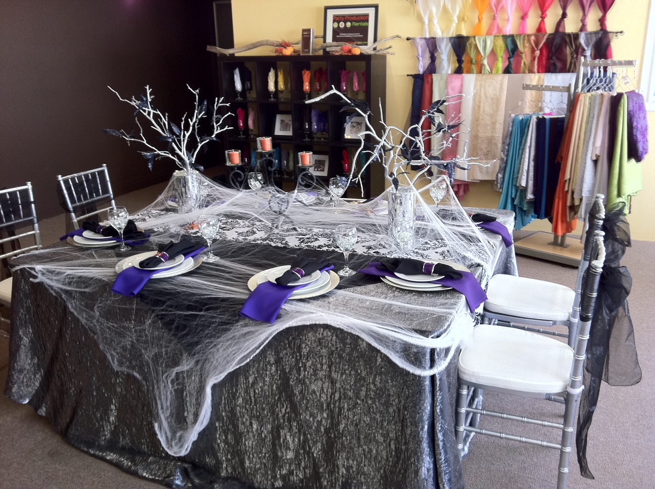 elegant halloween table by homedesignlatestcom