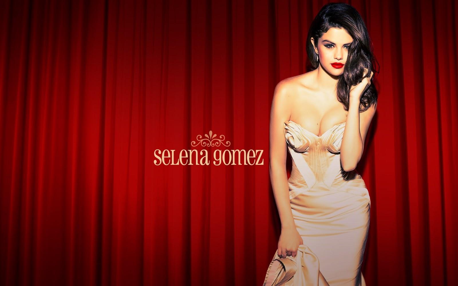 Selena Gomez Bikini Images