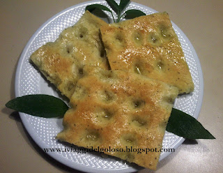 FOCACCIA GENOVESE CON SALVIA