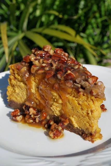 Scrumpdillyicious: Thanksgiving Pumpkin Cheesecake with Praline Sauce