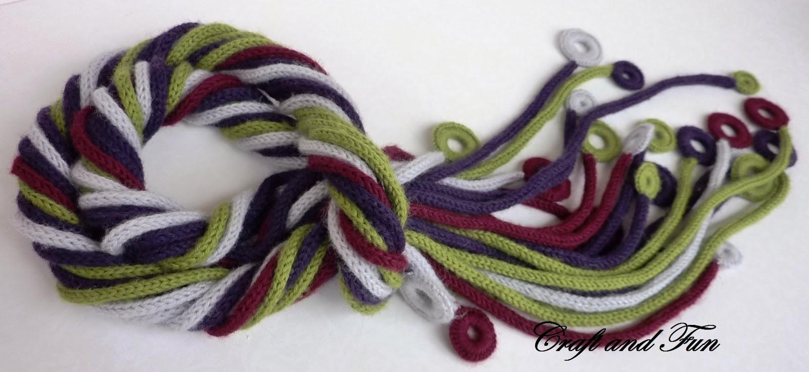 Sciarpa realizzata con il tricotin