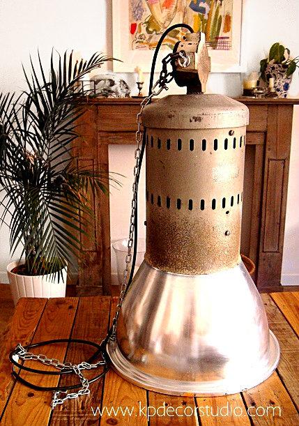 Comprar lámpara estilo industrial restaurada de aluminio para techos altos