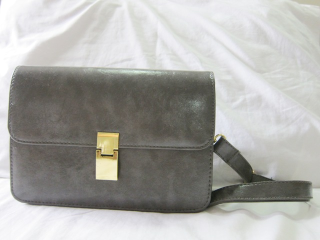 celine stingray box bag u4jv  I decided to get this gray one