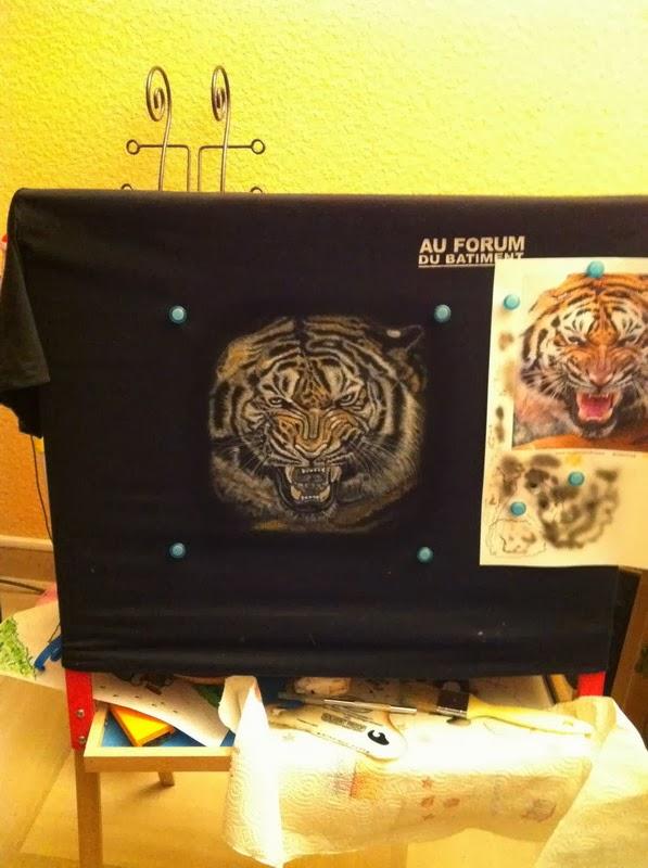 photo(7) tuto et pas a pas tigre sur teeshirt peinture aérographe