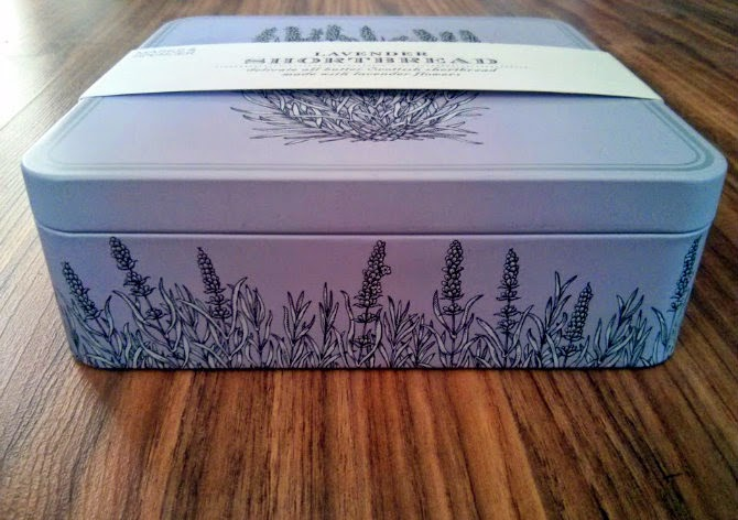 Lavender Shortbread cookies scotland and box packaging