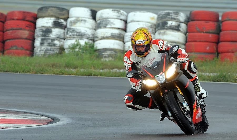 Aprilia RSV4 New Motorcycle Wallpapers