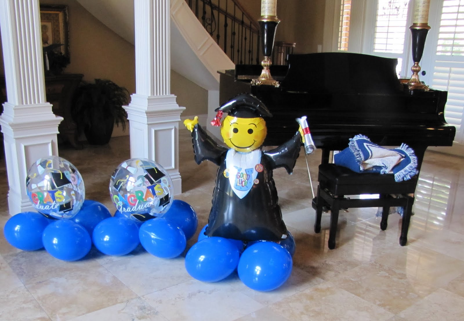 Party people event decorating company july 2011 for Balloon decoration ideas for graduation