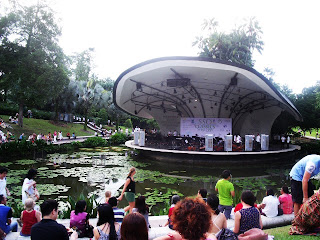 singapore symphony orchestra at the botanic gardens