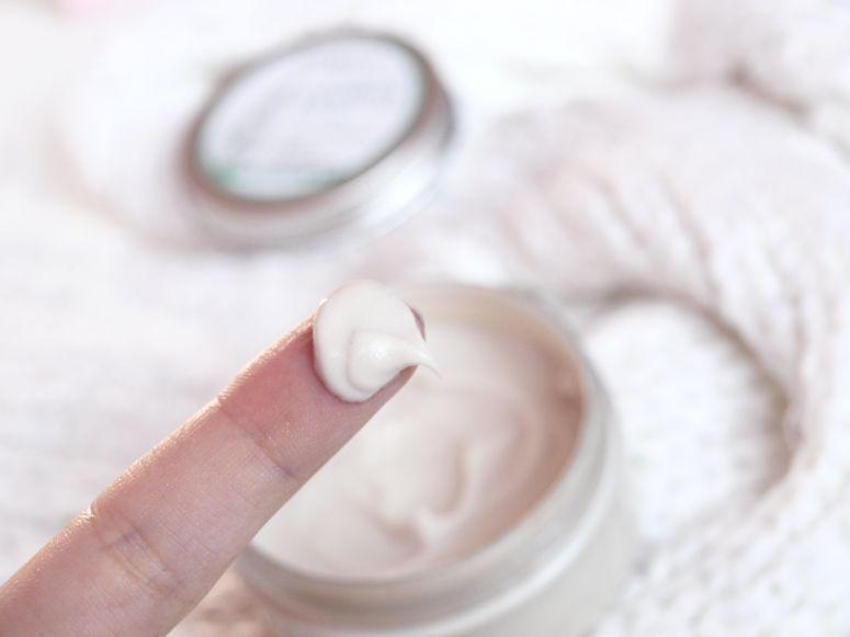 Peeling oczyszczający do twarzy Sylveco.