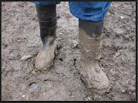 Πώς βγάζουμε τον λεκέ από λάσπη από τα ρούχα ή τις μπότες;