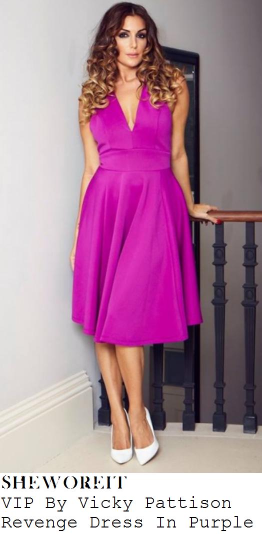 vicky-pattison-purple-sleeveless-halter-pleated-dress