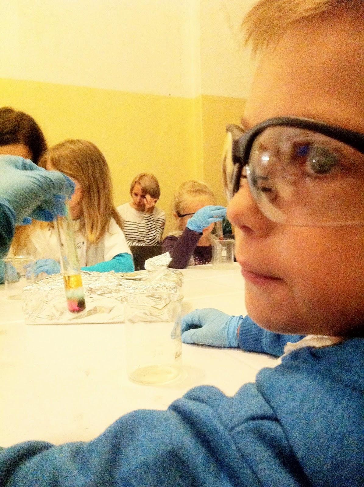 mały chemik,noc naukowców,dzieci dutek,dutek szczecin,chemia dla dzieci,zut,koktail chemiczny