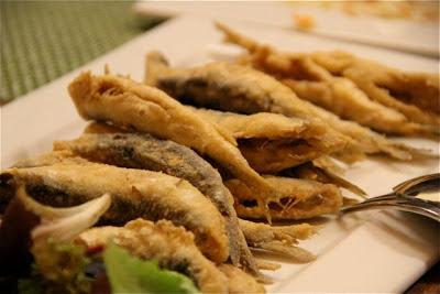 pescaditos fritos en Sevilla. Blog Esteban Capdevila