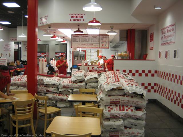 La burger de Five Guys y el empacho de patatas