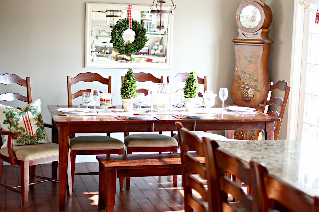 Christmas casual table scape with preserved boxwood and dining bench-www.goldenboysandme.com