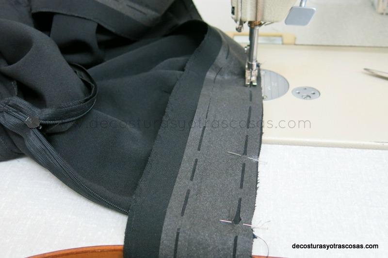 como se cose una cinturilla a un pantalón