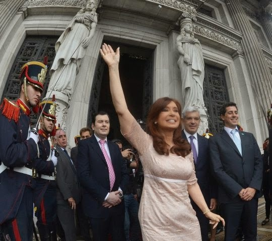 http://www.casarosada.gov.ar/images/phocagallery/thumbs/phoca_thumb_l_010315_1075.jpg