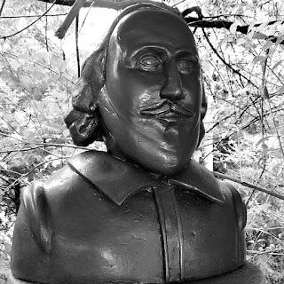 Busto de William Shakespeare: poeta e dramaturgo inglês.