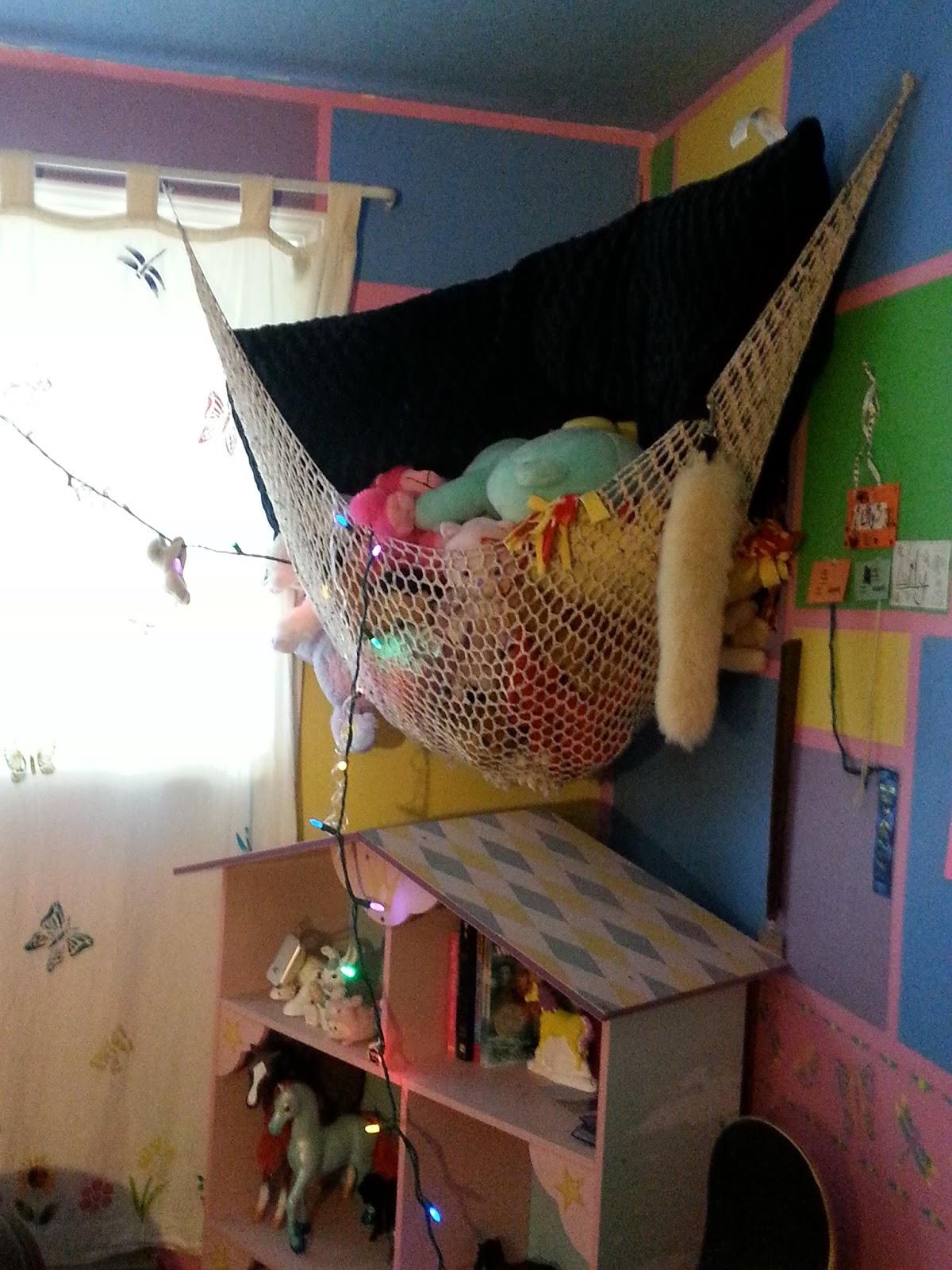 Girl room toy hammock