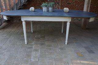 table-salle-à -manger-patinée-gris-ardoise