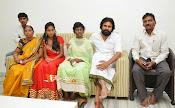Pawankalyan Meet Srija-thumbnail-11