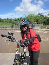 Latar belakang sungai luapan lahar dingin Merapi