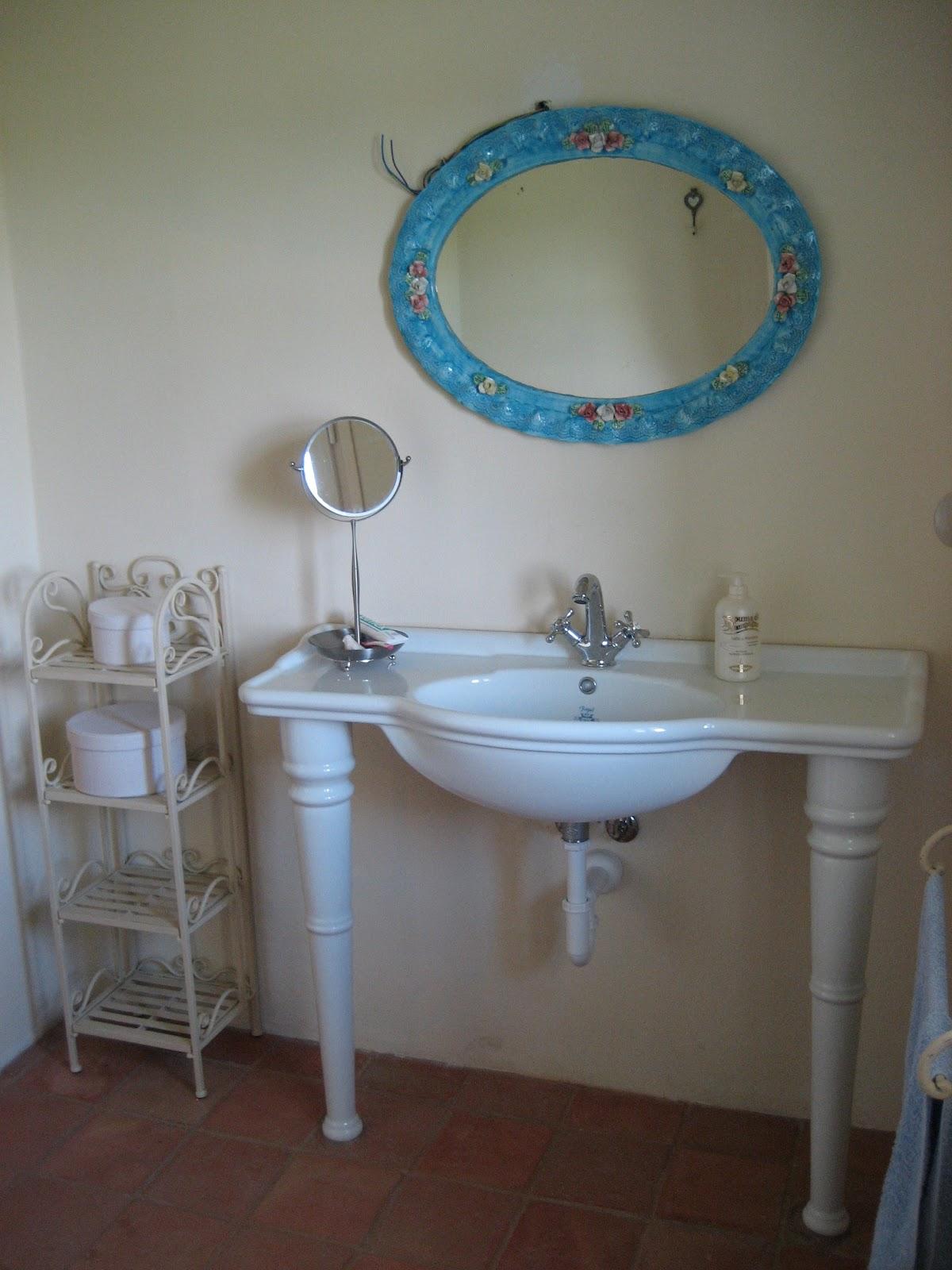 Corteranzo bagno del primo piano con vista rilassante - Documenti per ristrutturazione bagno ...